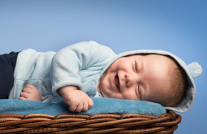davide posenato fotografo bambini torino occhi blu gionata sorriso