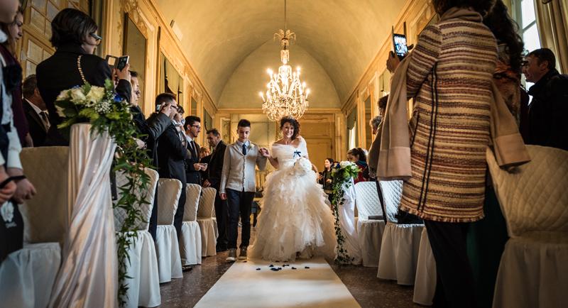 davide posenato fotografo matrimonio matrimonio al castello san giorgio torino mary massimo ingresso sposa