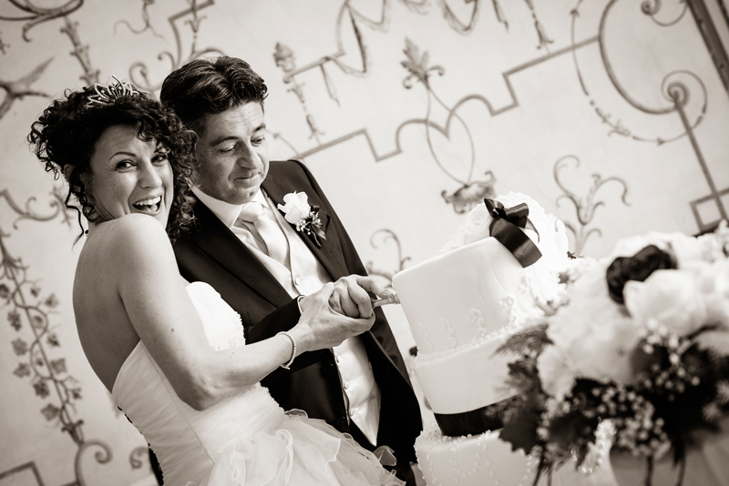 davide posenato fotografo matrimonio matrimonio al castello san giorgio torino mary massimo taglio torta