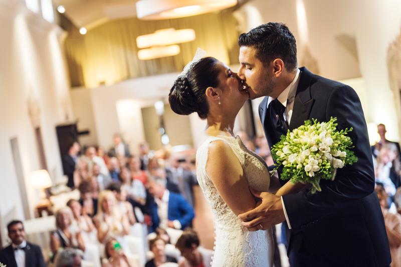 davide posenato fotografo matrimonio a cherasco torino cuneo bacio somaschi