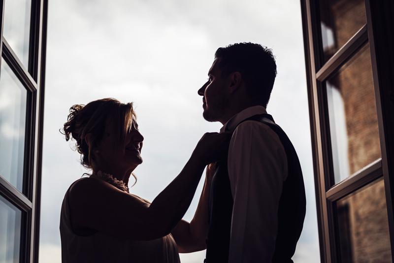davide posenato fotografo matrimonio a cherasco torino cuneo preparazione sposo somaschi